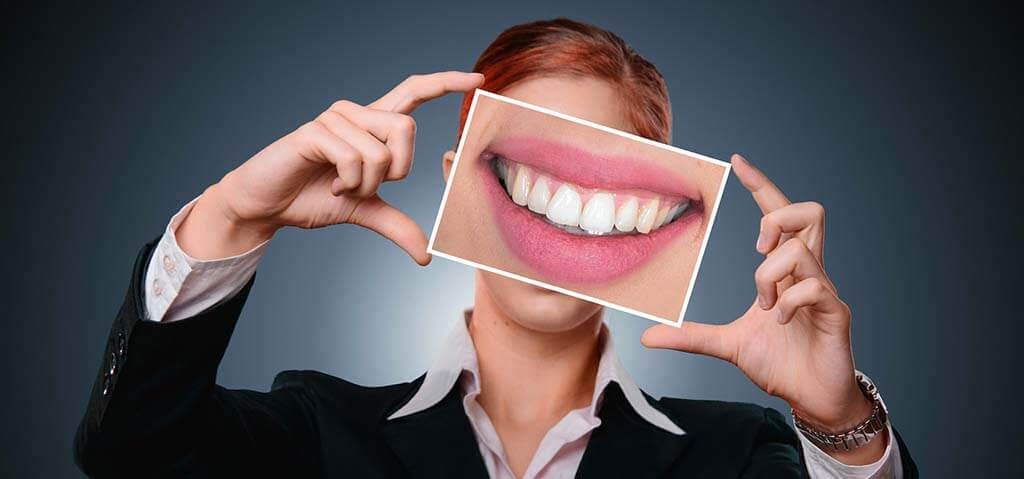 woman healthy teeth